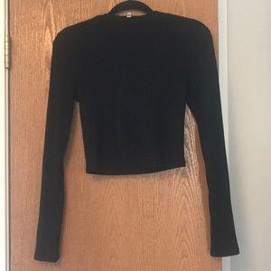 Black ribbed long sleeve crop top